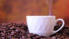 De koprook van koffieboonparen stock footage