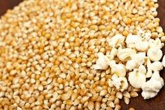 De korrel van de popcorn en van het graan Royalty-vrije Stock Fotografie