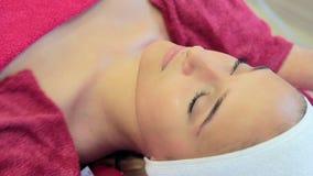 De kosmetiekprocedures Het gezichts reinigen stock footage