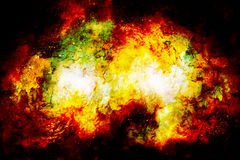 De kosmische ruimte en de sterren, kleuren kosmische abstracte achtergrond Brand en ritseleneffect Stock Foto