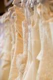 De kostuums van de bruid op winkel royalty-vrije stock fotografie