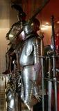 De kostuums van de ridder van pantser Stock Afbeeldingen
