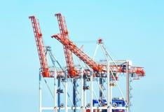 De kraan van de havenlading stock foto's