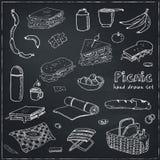 De krabbelreeks van de de zomerpicknick Diverse maaltijd, dranken, voorwerpen, sportactiviteiten Vector illustratie Stock Foto
