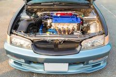 De krachtige motor van de moderne auto Royalty-vrije Stock Afbeeldingen