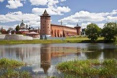 De krachtige muren van het Kremlin. Kolomna. Rusland Stock Afbeeldingen