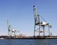 De Kranen van de container Stock Afbeeldingen