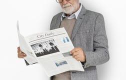 De Krantenconcept van de bedrijfsmensenlezing Royalty-vrije Stock Foto's
