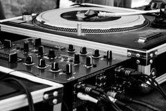 De kras en de mixer voor maken hiphopmuziek stock afbeeldingen