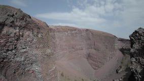 De krater van de Vesuvius stock video