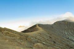 De Krater van Kawahijen, JAVA INDONESIË Stock Foto
