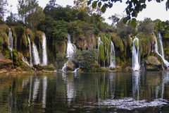 De Kravice cascada también Kravica en Bosnia y Herzegovina - nacional Foto de archivo