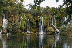 De Kravice cascada también Kravica en Bosnia y Herzegovina - nacional Imagenes de archivo