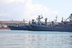 De KRIM, SEBASTOPOL - Mei 10, 2009: Baai van stad Sebastopol. Warsh stock afbeelding