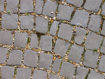 De kromme in a cobbled weg stock fotografie