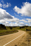De kromme Preverbial in de Weg stock afbeelding