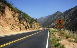 De krommen van Angeles Crest Highway Royalty-vrije Stock Afbeeldingen