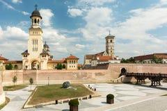 De Kronings Orthodoxe Kathedraal en de Heilige Michael Roman Catholic Cathedral Stock Foto's