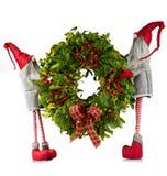 De kroon van Kerstmis die door elf wordt gedragen Stock Fotografie