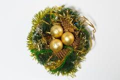 De kroon van Kerstmis die op witte achtergrond wordt geïsoleerda Royalty-vrije Stock Foto's