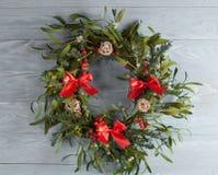 De kroon van Kerstmis met maretak Royalty-vrije Stock Foto