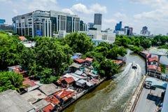 De krottenwijk van Bangkok Venetië Canalside royalty-vrije stock fotografie