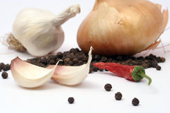 De kruidnagels van het knoflook met ui en p Stock Afbeeldingen