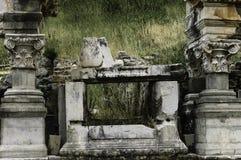 De kruiken en de kolommen blijven in Ephesus Royalty-vrije Stock Afbeelding