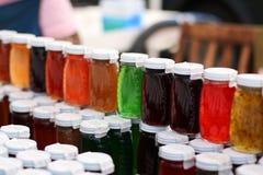 De Kruiken van de regenboog Stock Foto's