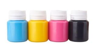 De kruiken van de kleurengouache en kleuren acrylverven royalty-vrije stock afbeeldingen