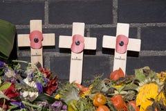 De Kruisen van de herinnering bij de Begraafplaats In de lucht in Oosterbeek Stock Fotografie
