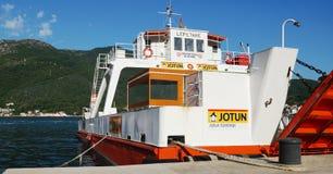 De kruising van de Baai van Kotor (Boka) Stock Foto