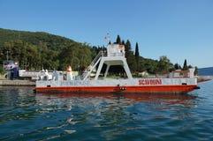 De kruising van de Baai van Kotor (Boka) Stock Foto's