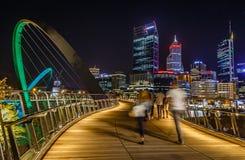 De kruising van Elisabeth Quay Bridge Royalty-vrije Stock Fotografie