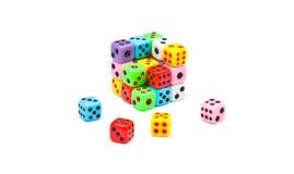 De kubus die van kleurrijk wordt gemaakt dobbelt Royalty-vrije Stock Afbeelding