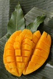 De kubus sneed rijpe mango Stock Foto