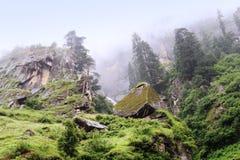 De Kullu-Vallei dichtbij Kullu-stad, India stock afbeeldingen