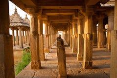 De kungliga cenotafierna av historiska linjaler, också som är bekanta som Jaisalmer Royaltyfri Foto