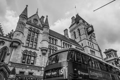 De kungliga domstolarna i London - LONDON - STORBRITANNIEN - SEPTEMBER 19, 2016 Royaltyfri Foto