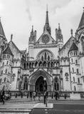 De kungliga domstolarna i London - LONDON - STORBRITANNIEN - SEPTEMBER 19, 2016 Royaltyfria Bilder