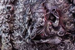 De kunst en het patroon van het snijden van tafelzilver, Thailand stock foto