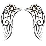 De kunst stammenontwerpen van de vleugelstatoegering Het abstracte ontwerp van het patroonembleem op witte achtergrond Manieridee vector illustratie