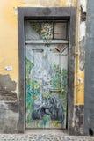 De kunst van open deur in de straat van Santa Maria Een project dat aan ` open ` de stad aan artistieke en culturele gebeurteniss Royalty-vrije Stock Foto's