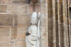 de kunstcijfers en kolommen van de kerksteen Royalty-vrije Stock Foto
