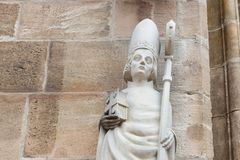 de kunstcijfers en kolommen van de kerksteen Royalty-vrije Stock Foto's