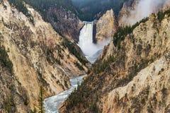De kunstenaars richten waterval - het Nationale Park van Yellowstone Stock Foto's