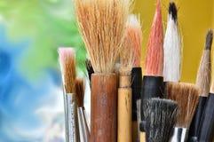 De kunstenaars schilderen borstels Stock Fotografie