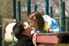 De kus van de familie Stock Afbeelding