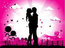 De kussen van het paar op een weide silh Stock Afbeeldingen