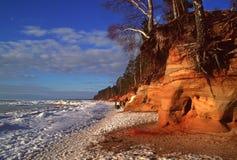 De kust van de Oostzeekust in de winter Royalty-vrije Stock Foto's